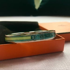 HERMÈS ENAMEL BANGLE // NARROW + SIZE SMALL